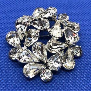 🆕Vintage Prong-Set Glass Rhinestone Pin